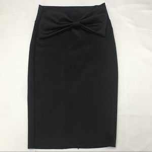 Body Central pencil skirt with a bow in fr…